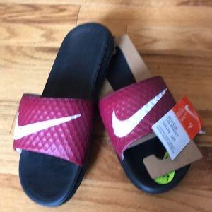 NWT-Nike slides